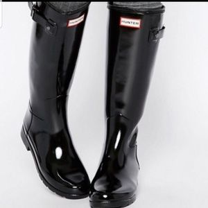Hunter tall black gloss sz 8